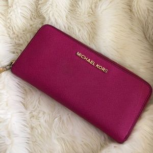 Authentic Michael Kors Medium Flat Wallet Pink
